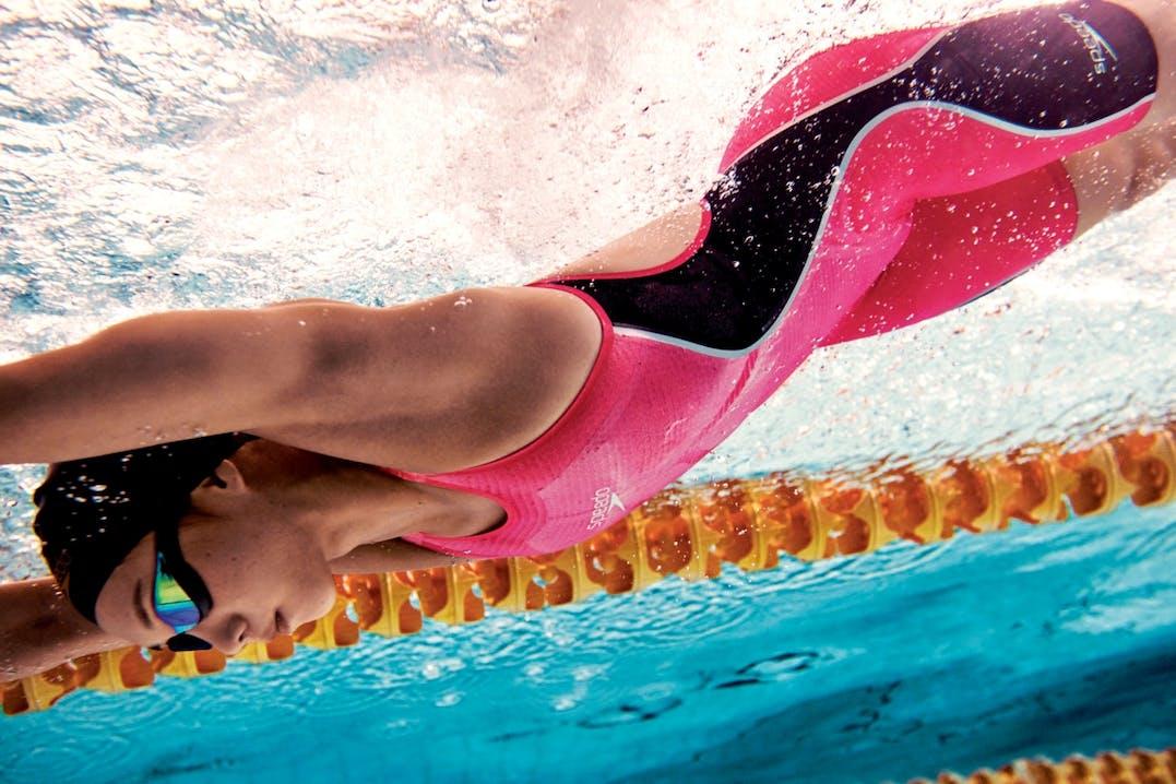 Mit über 90 Jahren Erfahrung ist Speedo ein Referenzunternehmen für Sport- und Freizeitschwimmen