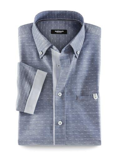 Grau/Blaues Hemd mit feinem Muster und weißen Knöpfen.