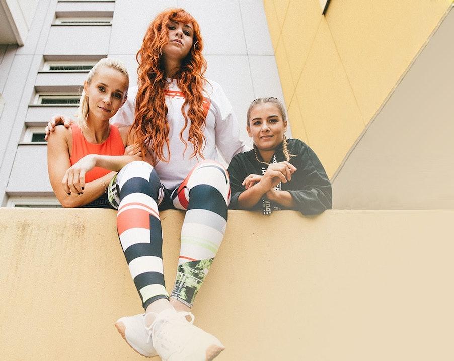 Caro, Paula und Elena tragen die Meet You There Kollektion