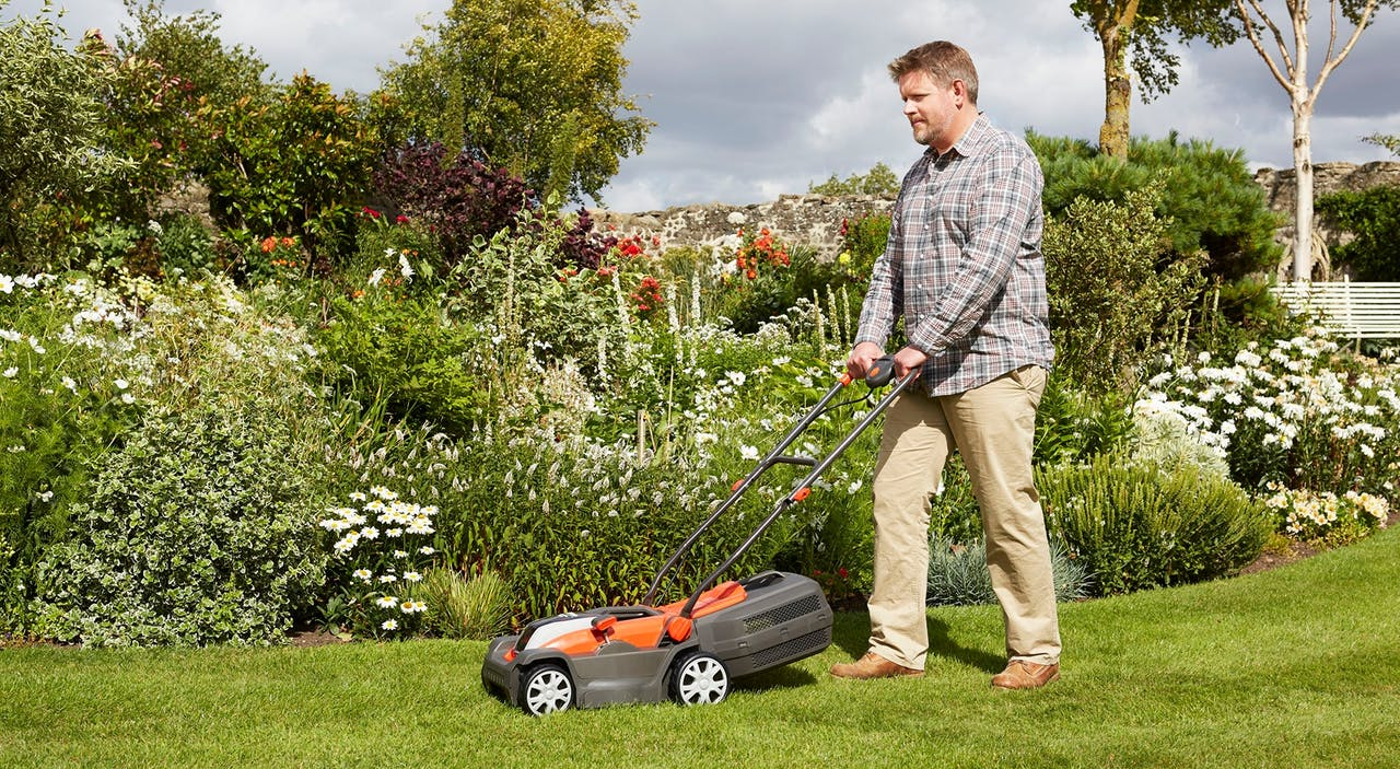 How Often Should You Cut The Grass Flymo