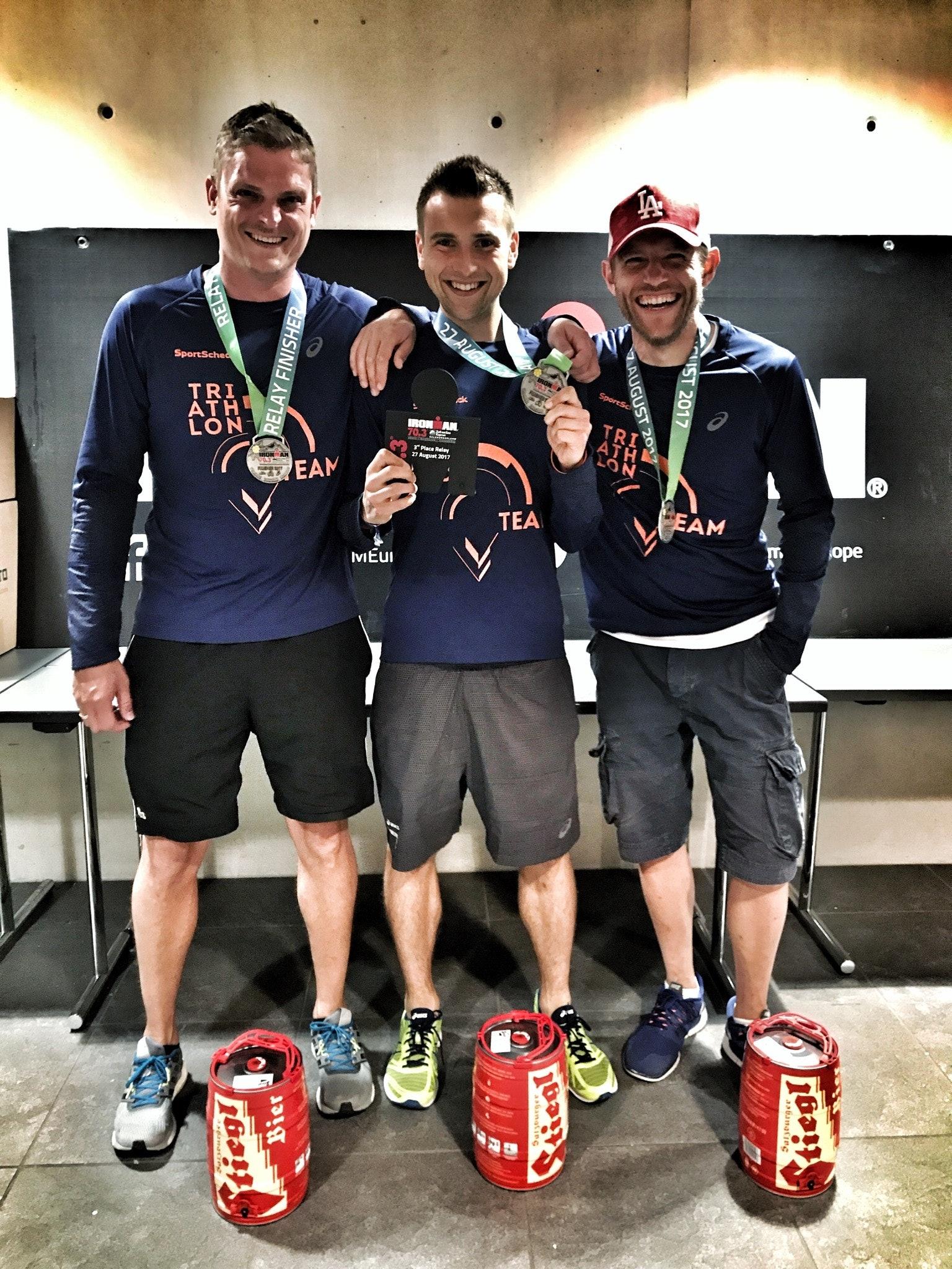Team im Ziel vom Ironman