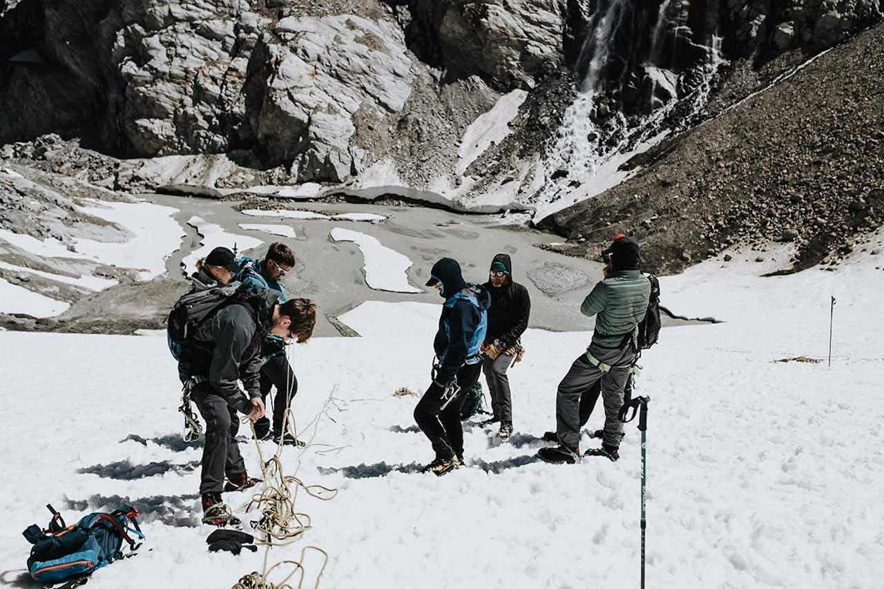 Vorbereitung einer Bergung an der Gletscherspalte