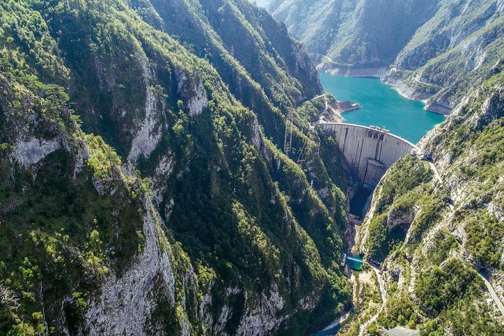 Mratinje Damm am Piva-See, Montenegro