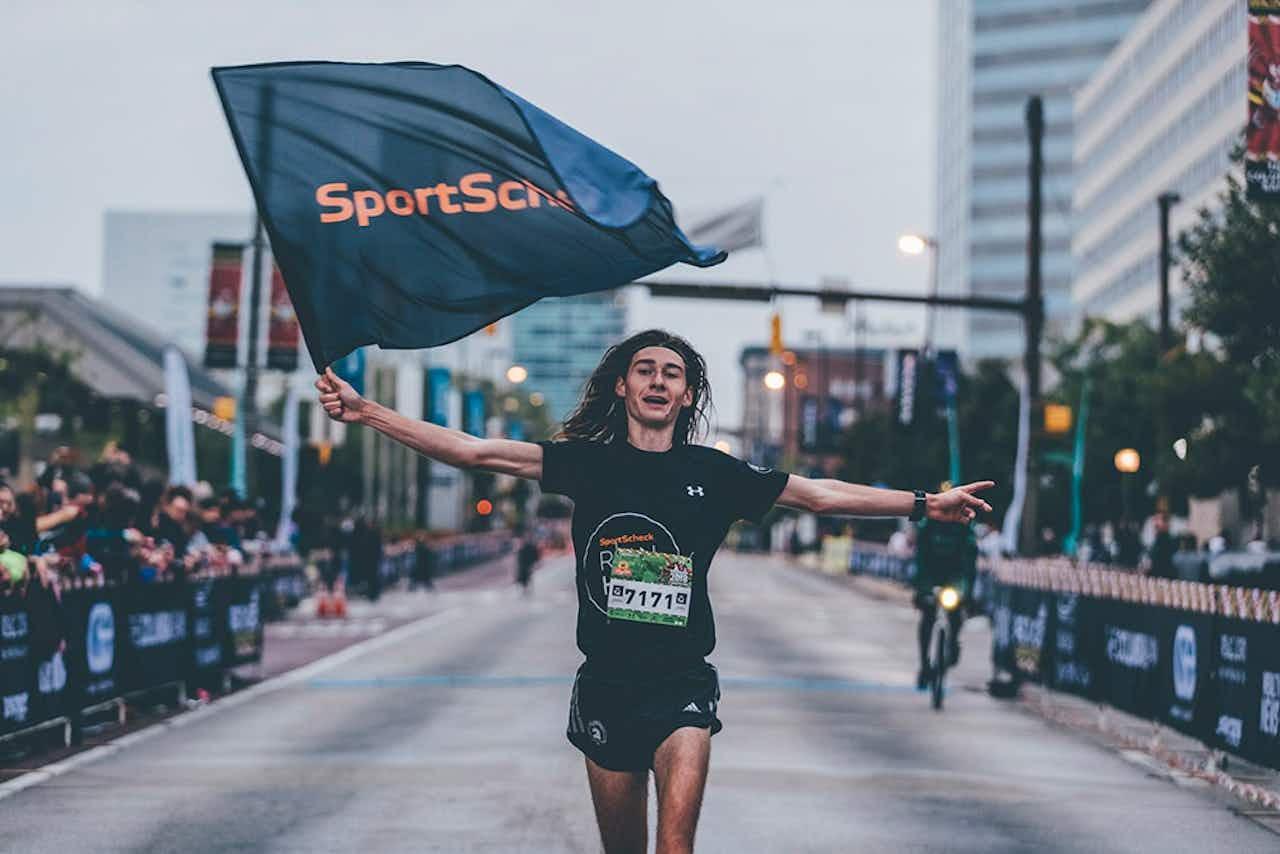 Yannik Reihs gewinnt den 5km Lauf in Baltimore