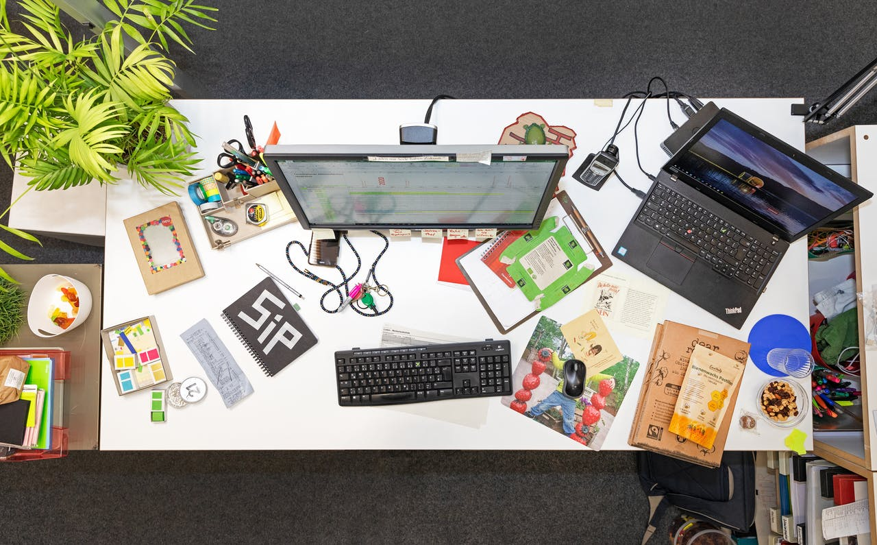 Modulor Schreibtische, Ordnung vs. Chaos