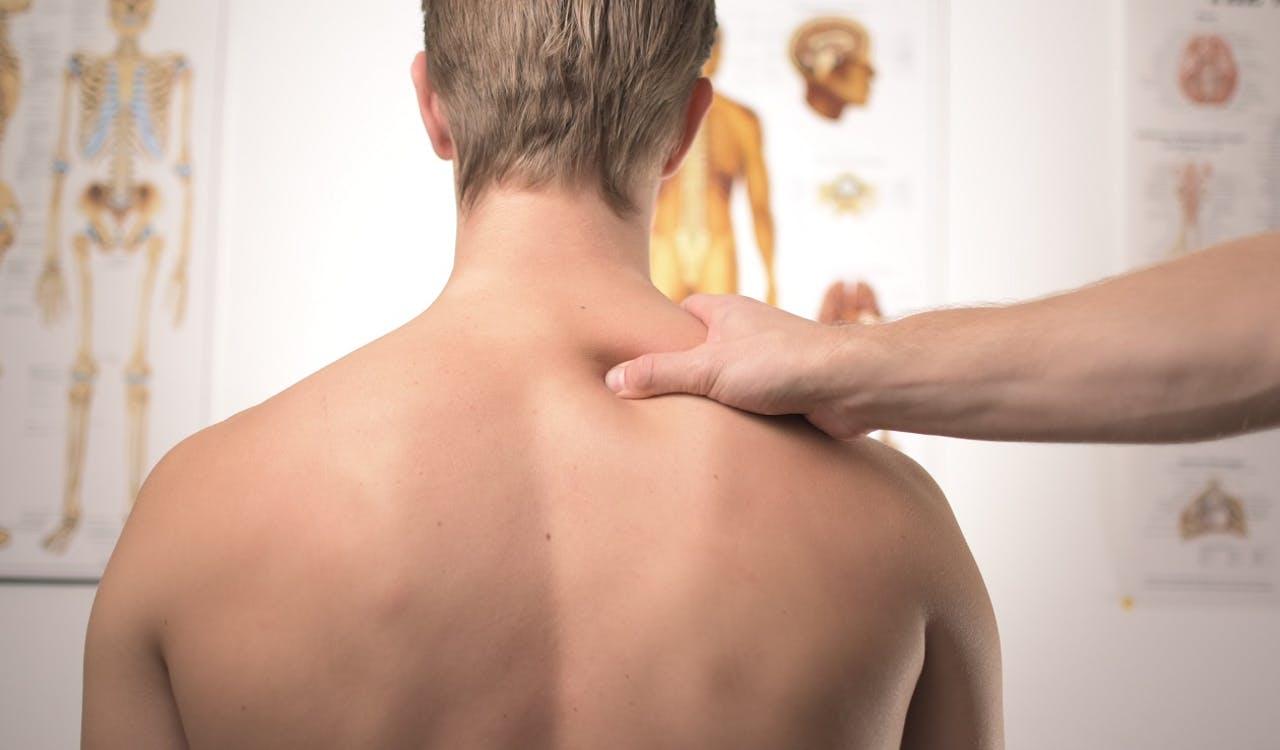 Ergonomie beim Autofahren, Rückenschmerzen, schlechte Haltung