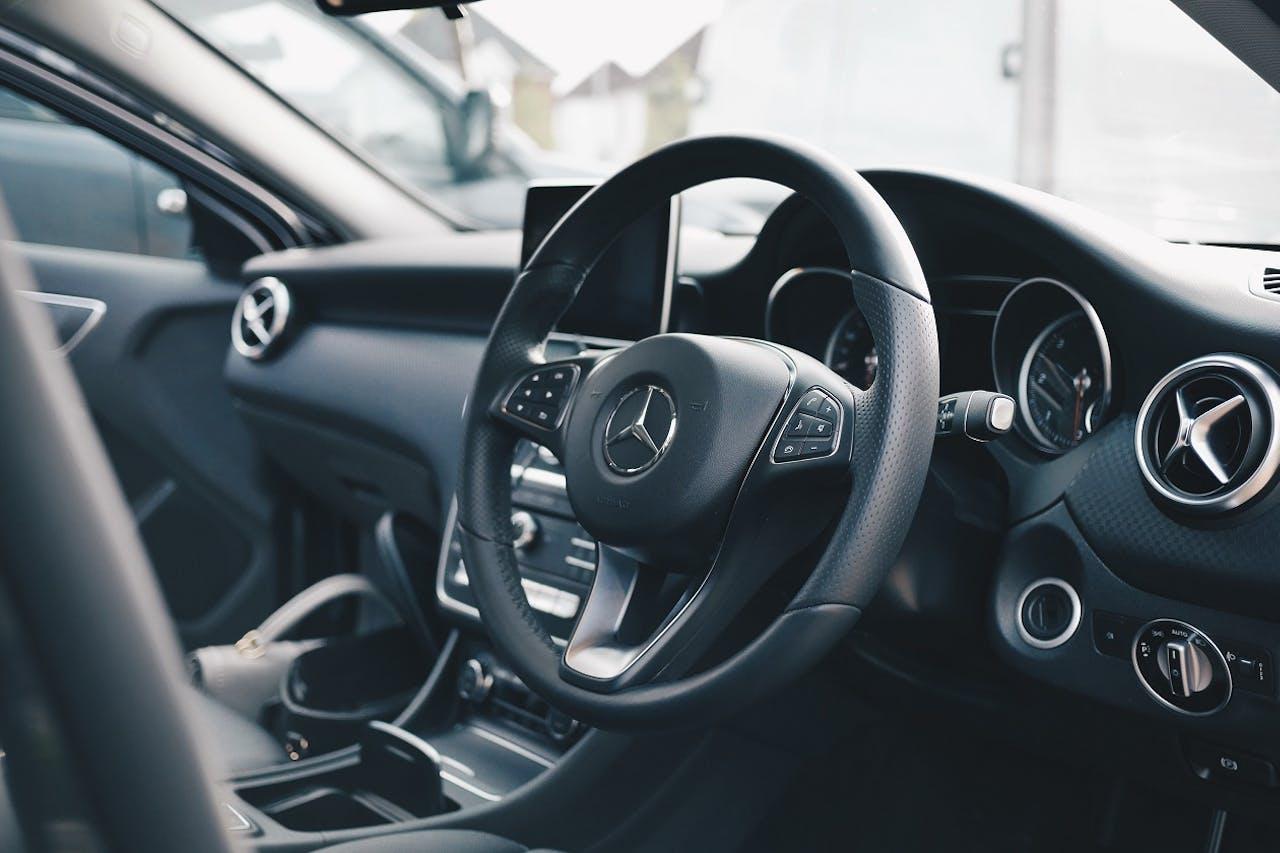 Mercedes Benz Armatur, Auto Gadgets