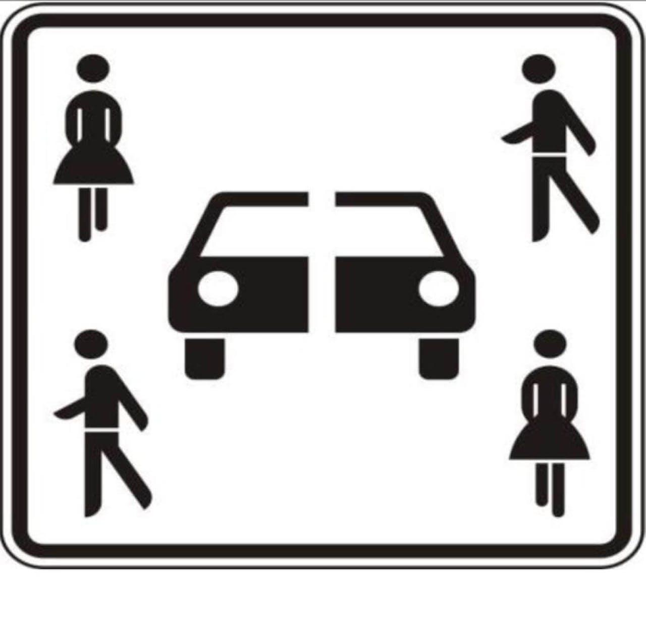 Neues Verkehrsschild Carsharing Parkplatz