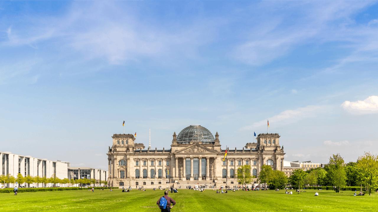 Foto vom Bundestag nach Beschluss des neuen Umweltbonus