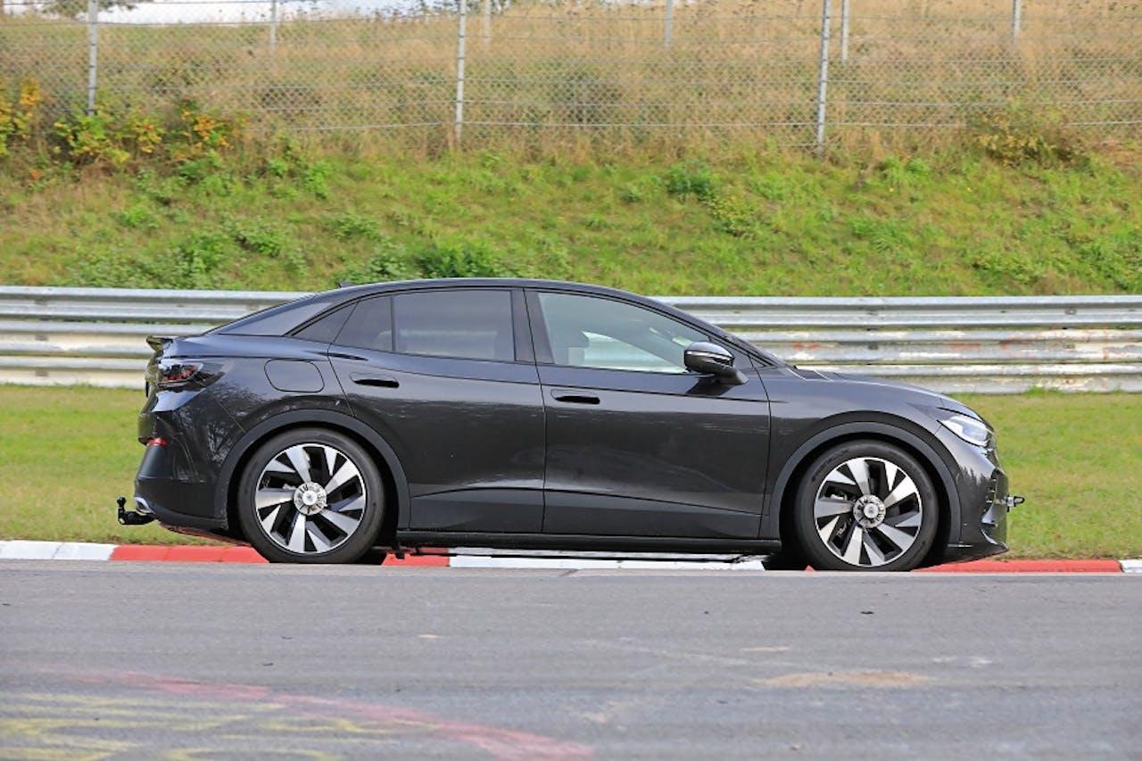 Seitenansicht VW ID.5. Auf Nürburgring. Foto Stefan Baldauf
