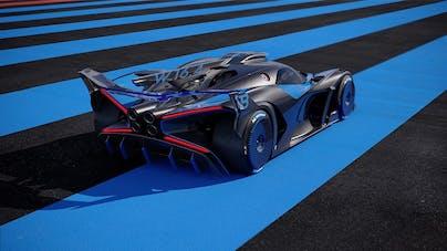 Bugatti Bolide von schräg hinten, Heck auf Blau-Schwarzem Asphalt Untergrund - VEHICULUM News