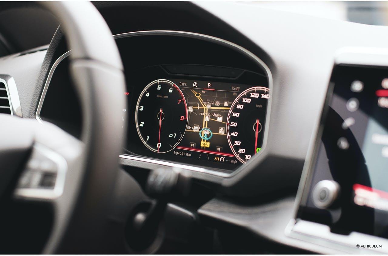 Seat Tarraco Tacho Kombiinstrument volldigital Lenkrad Drehzahlmesser Geschwindigkeitsanzeige im VEHICULUM Test
