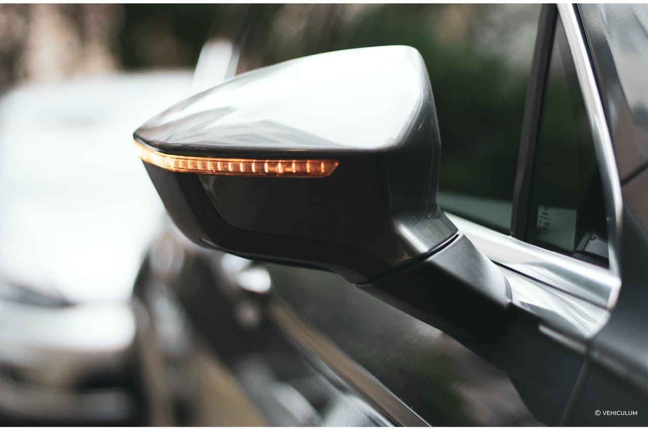Seitenspiegel Seat Tarraco mit integriertem leuchtendem Blinker