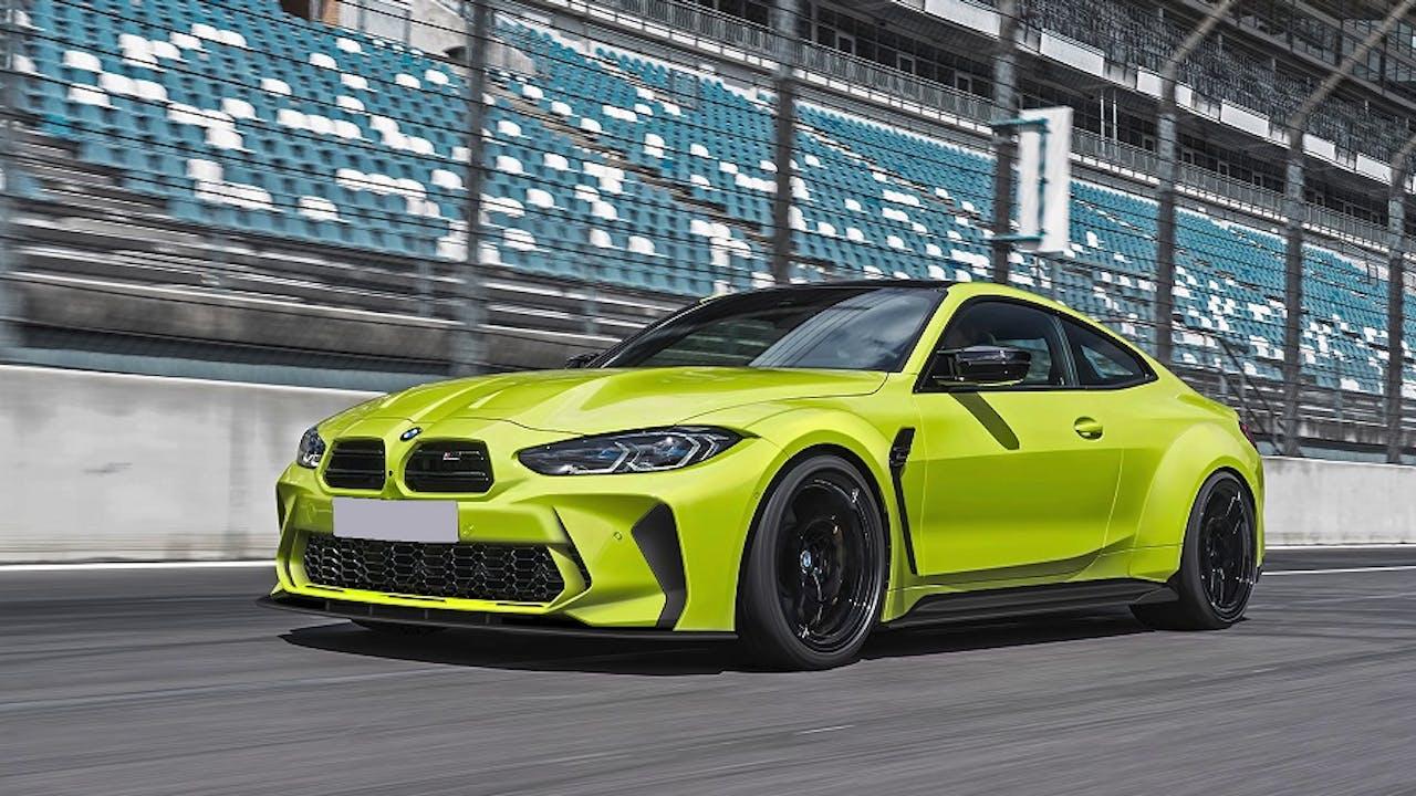 BMW M4 auf Rennstrecke ohne Riesenniere und mit Breitbau durch Bodykit von Prior Design
