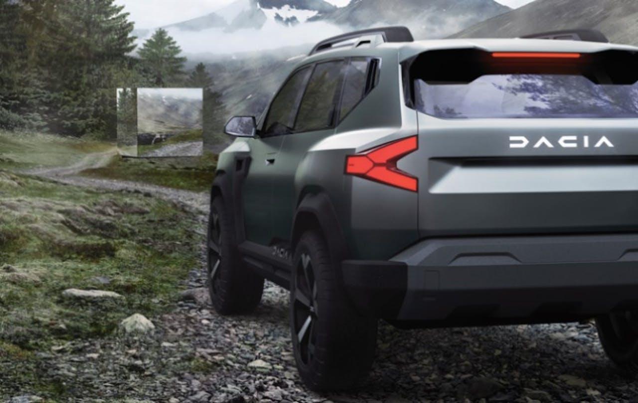 Dacia Bigster Heckansicht mit Rückleuchten in Natur