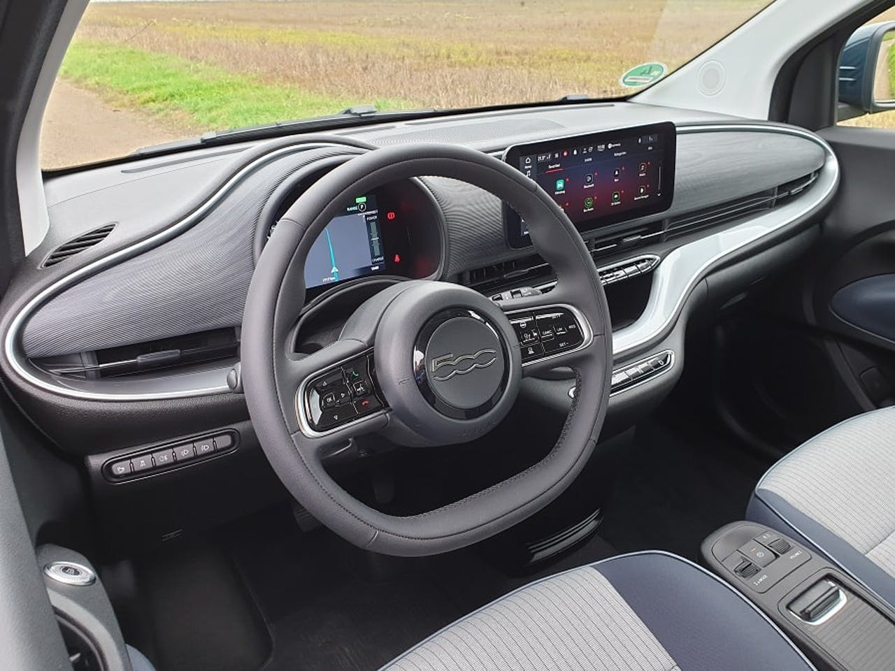 Innenraum des neuen Fiat 500 (Elektro)