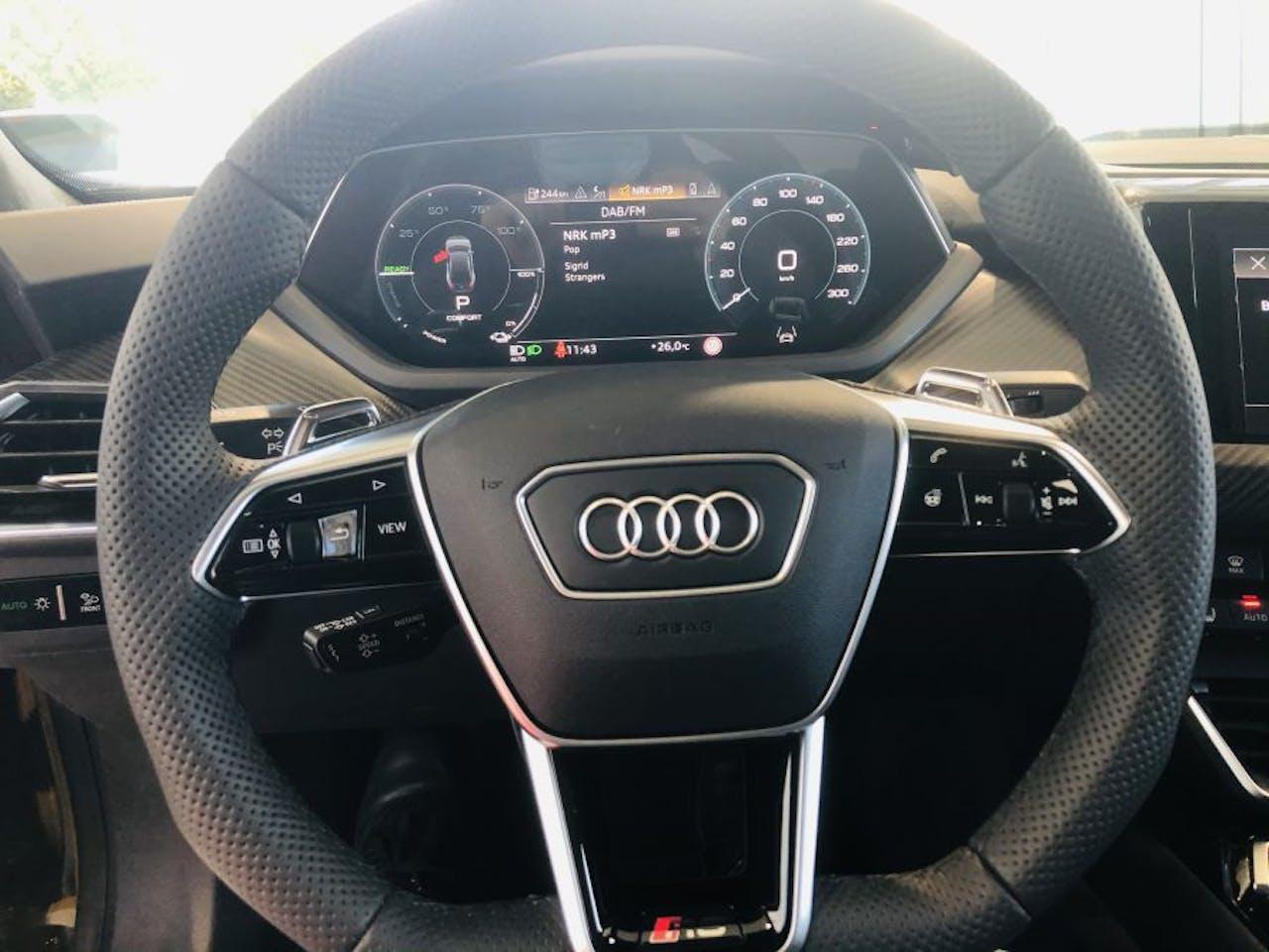 Lenkrad des Audi e-tron GT RS