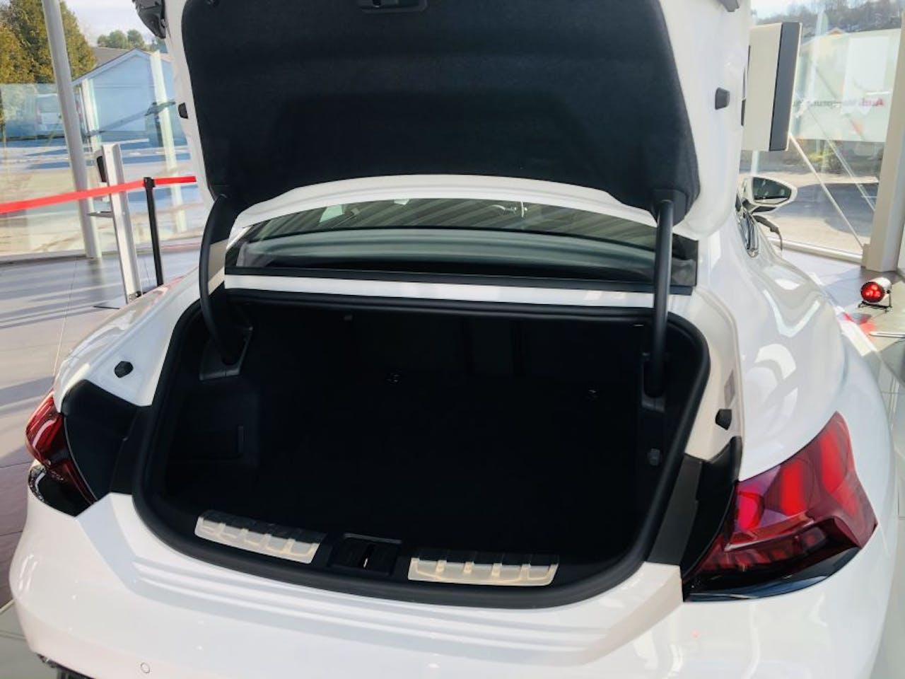 Kofferraumklappe und Kofferraum des Audi e-tron GT