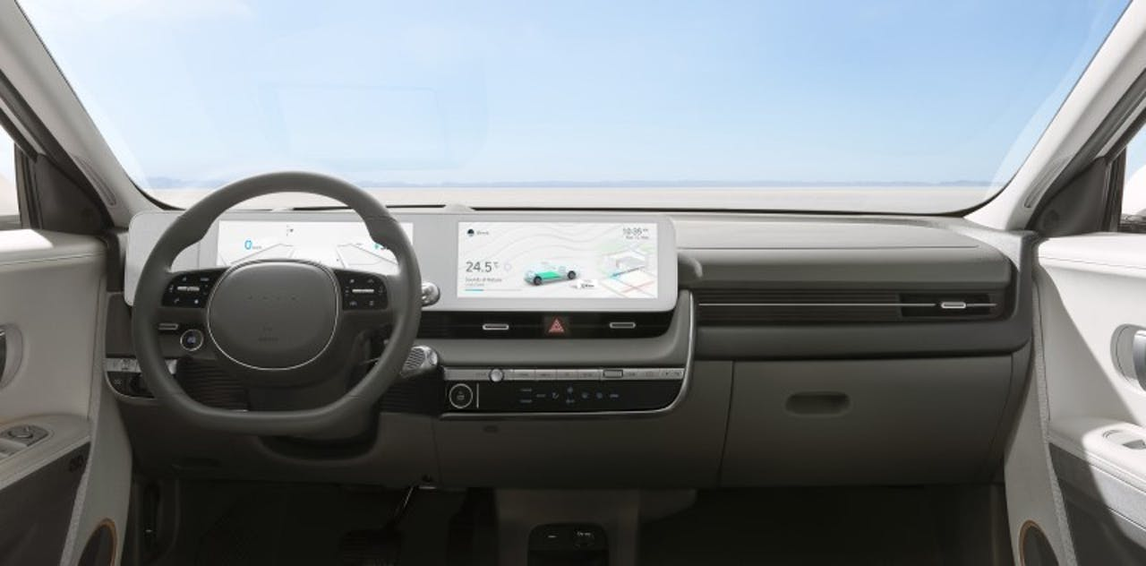 Hyundai: IONIQ 5 Innenansicht auf Lenkrad und Displays