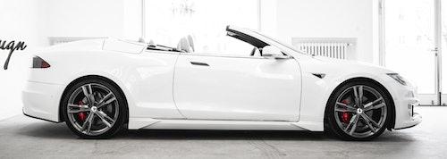 AresDesign: Tesla-Cabrio Seitenansicht, offenes Verdeck