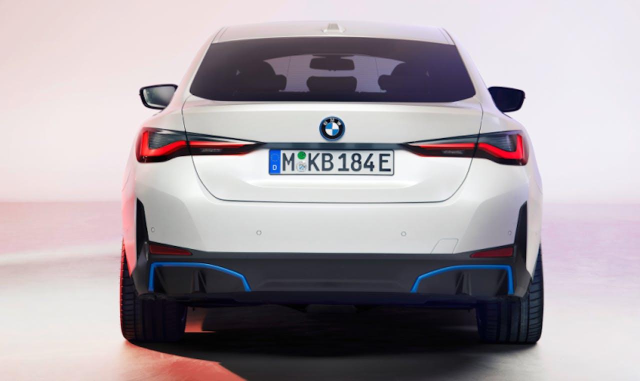 BMW: i4 Heckansicht