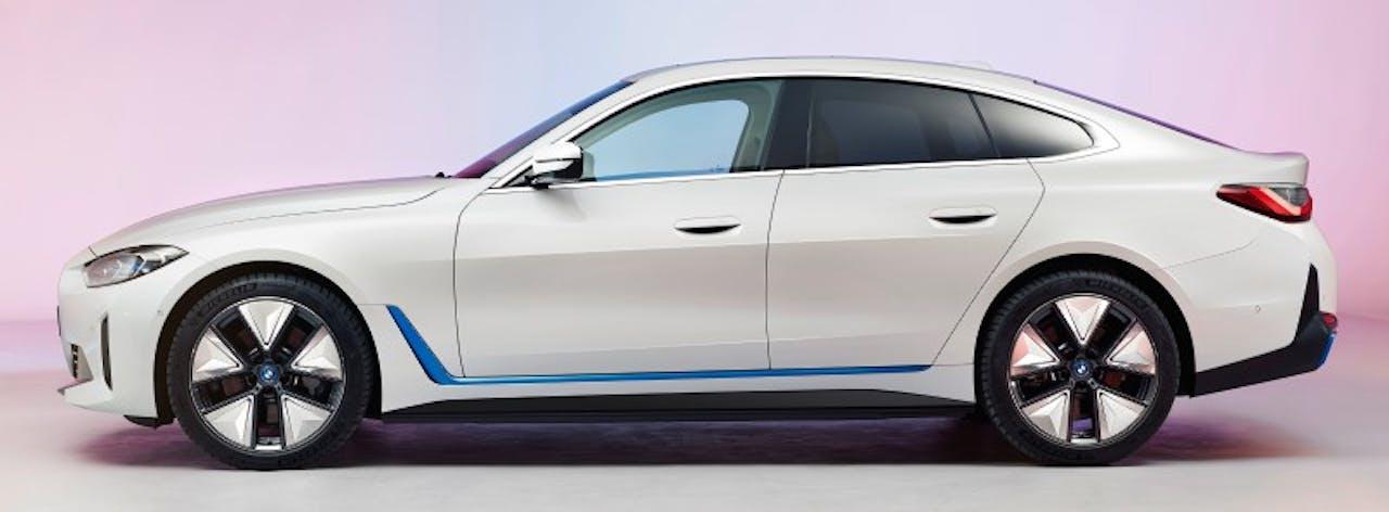 BMW: i4 seitliche Ansicht