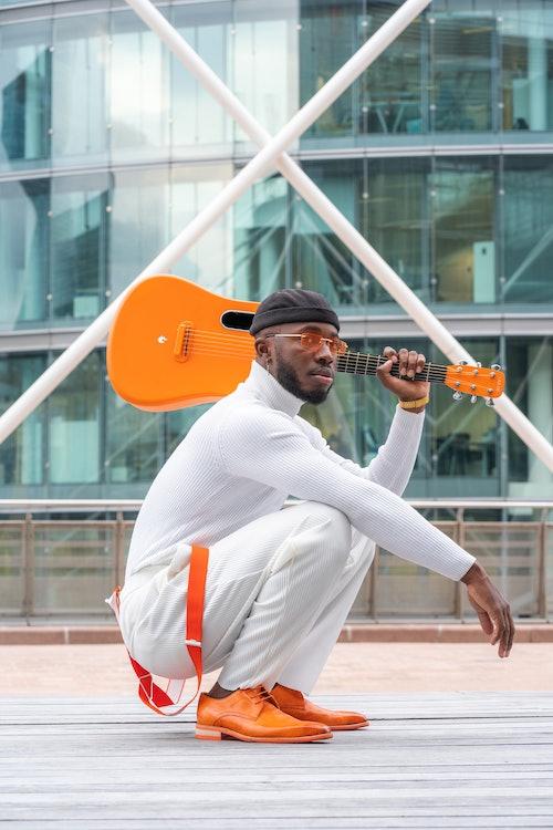 Melvin & Hamilton präsentiert Monsieur Orange