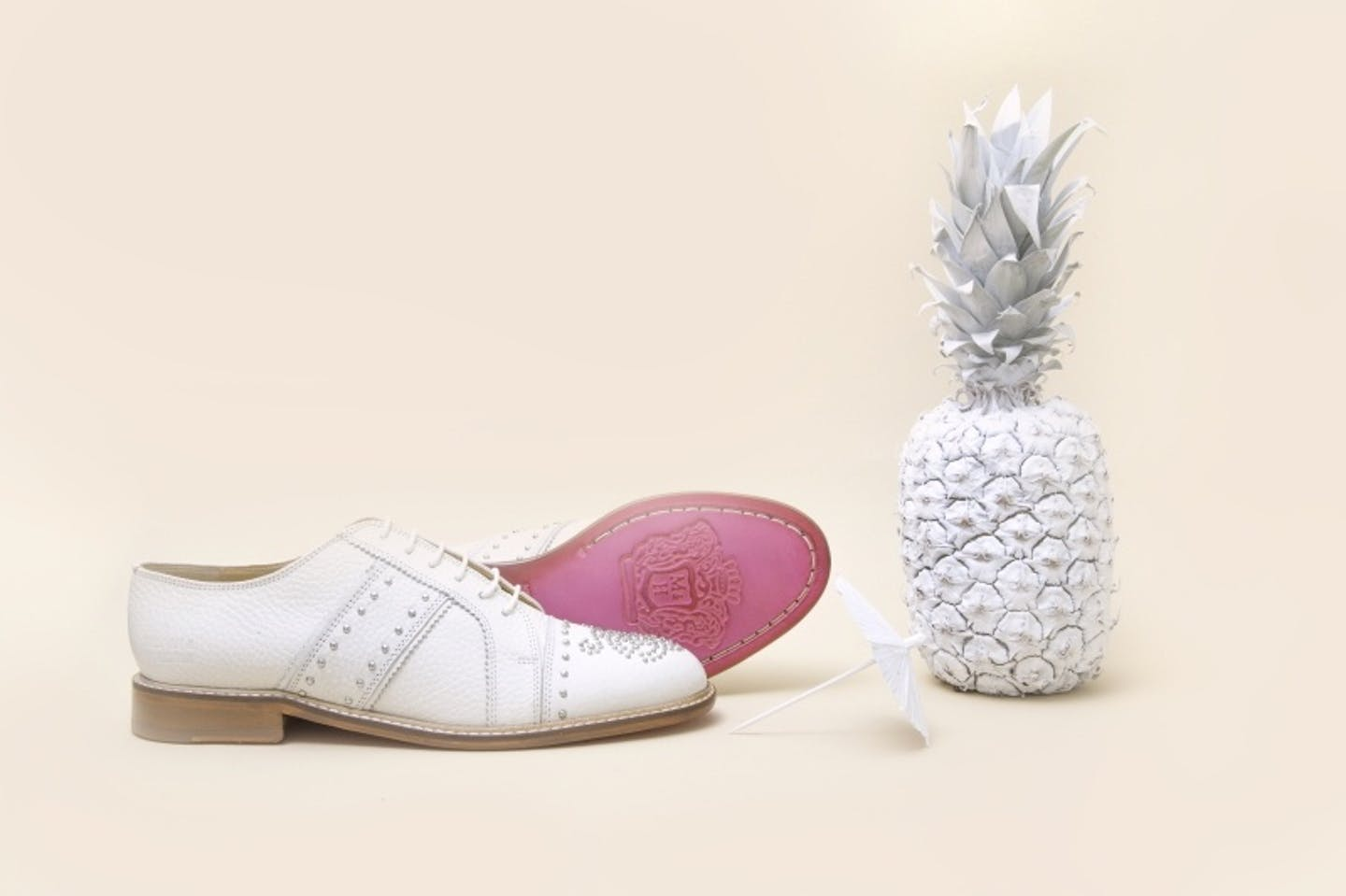 white sneakers , white shoes for men, white shoes for women
