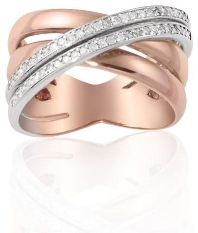 Cette Bague CLEOR est en Or 375/1000 Bicolore et Diamant Blanc