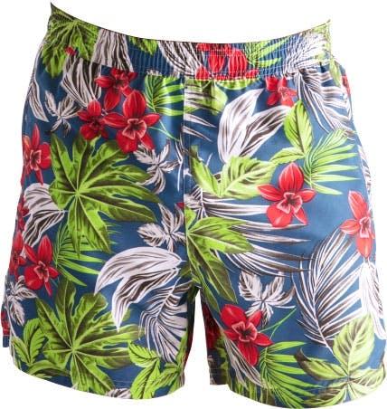 Blaue Badehose mit buntem Hawaii-Motiv.