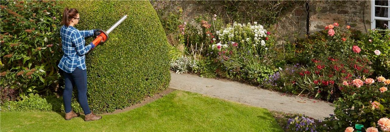 Five benefits of a cordless hedge trimmer   Flymo