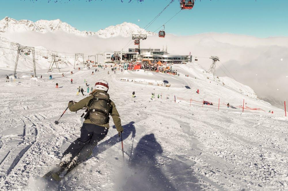 Firn-Fahren im Pulverschnee Skigebiet Dolomiten