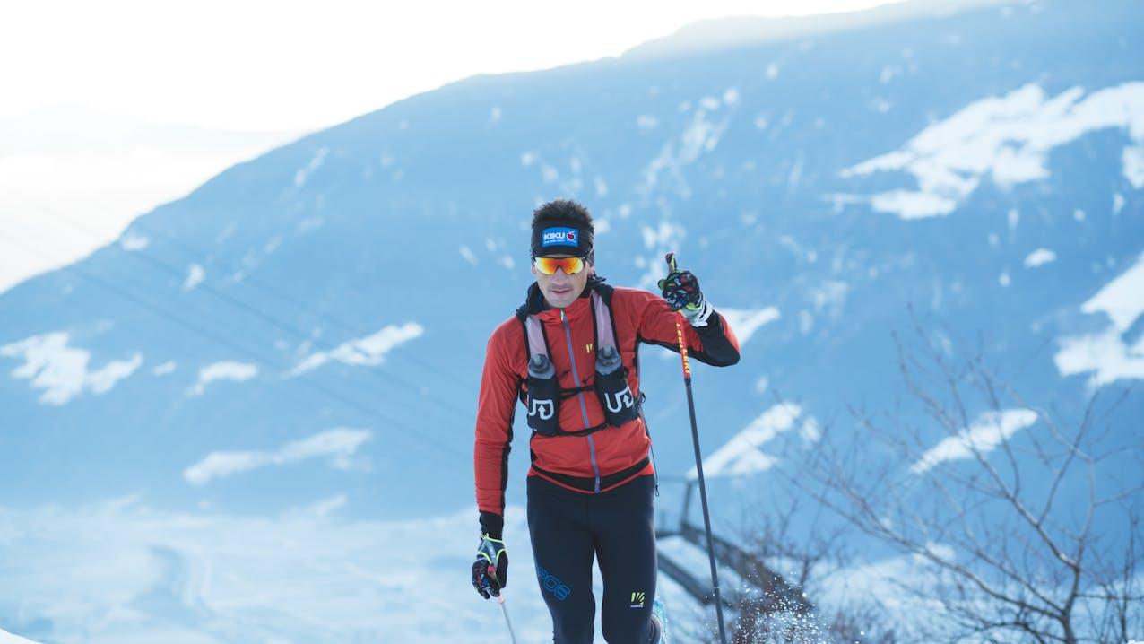 Daniel Jung con i bastoncini da trail running di Leki