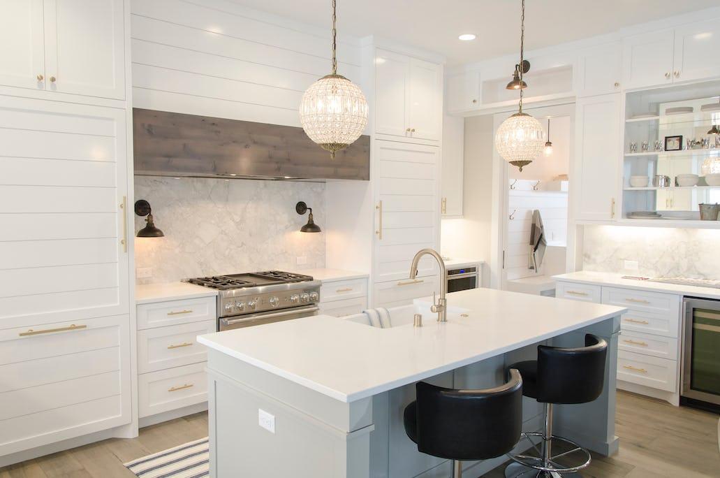 Barhocker – So holst Du Dir den Lounge-Flair in Deine Küche