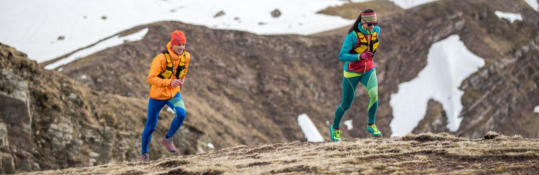 Persone che corrono in ambiente montano