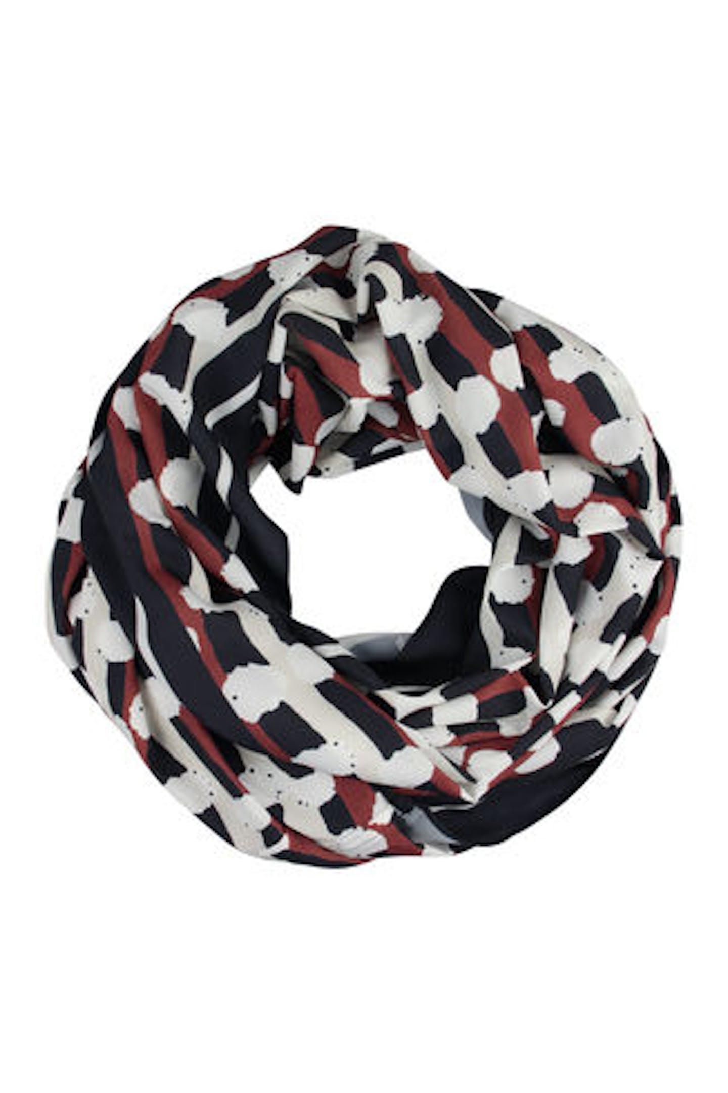 Loop-Schal mit Punkten