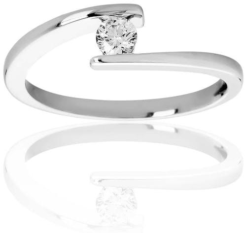 Ce Solitaire PROMESSE est en Or 750/1000 Blanc et Diamant Blanc