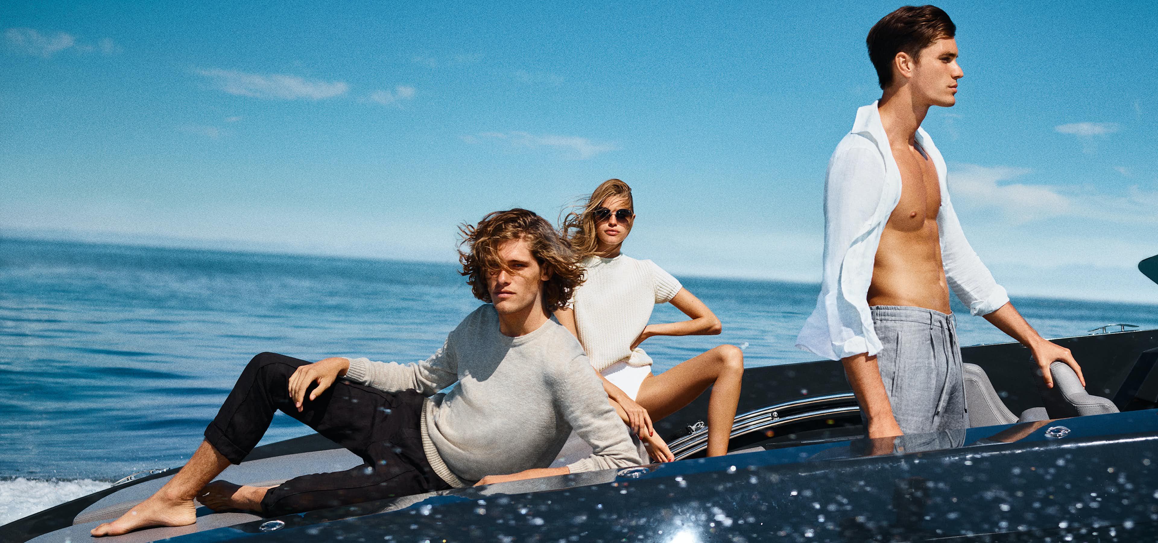 Drei Personen auf Boot in JOOP!