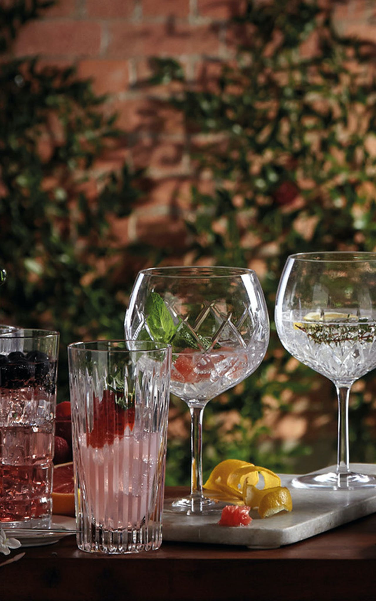 Find your perfect Gin glass with Waterford Crystals Gin Journeys. Shop the Range of Gin Balloons and Hiballs online at Kilkenny Shop.