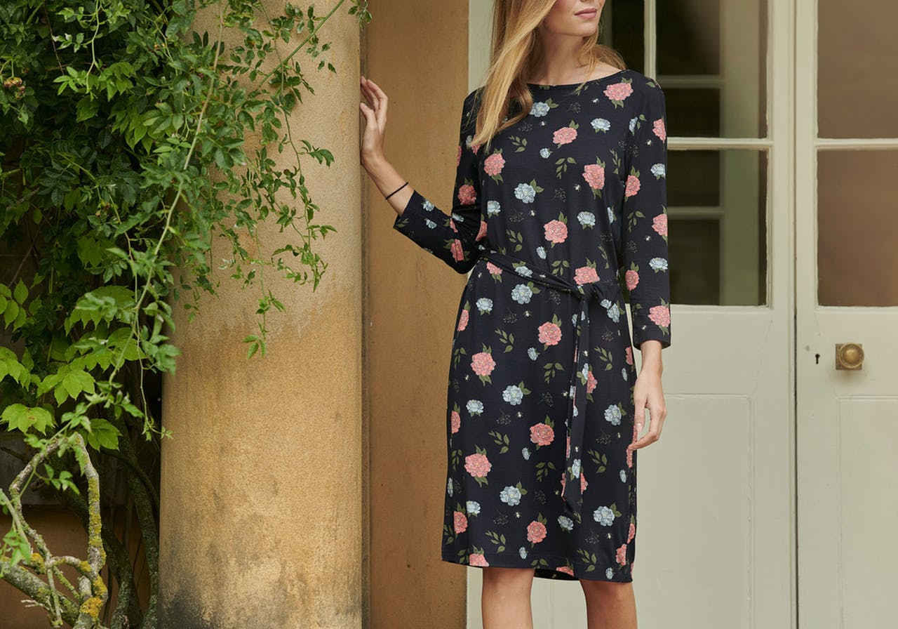 Find the perfect summer dress form top brands such as Barbour, White stuff, Seasalt and more