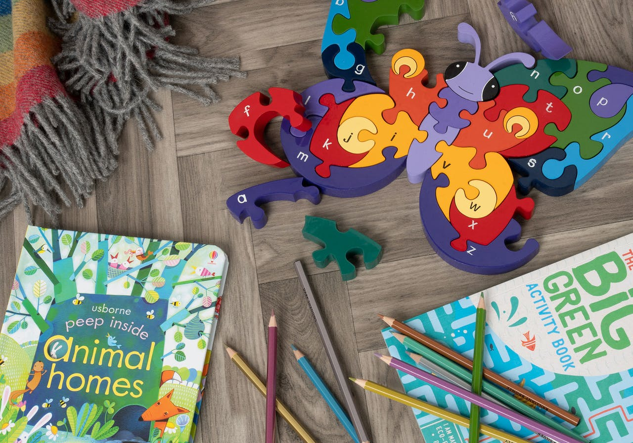 Christmas Gifts for childern, Irish gifts, toys, books, scarfs, puzzles, games, stocking fillers