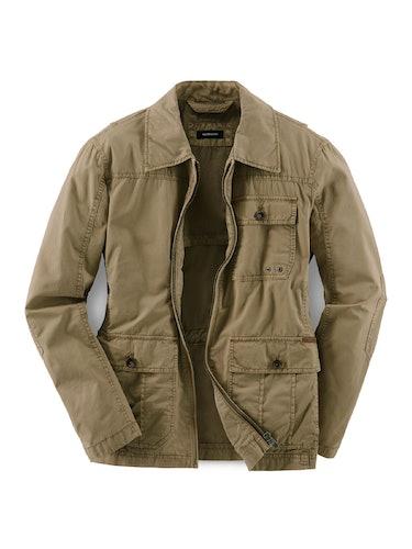 Jacke mit vielen Taschen in Oliv.