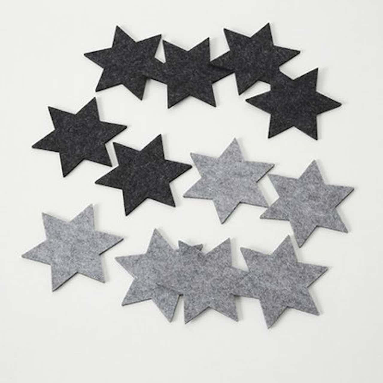 Alátét csillag filc 6 részes kétféle változatban   13 cm szürke