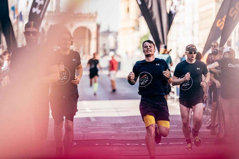 Zieleinlauf SportScheck Stadtlauf München