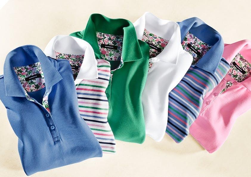 Sechs Polos in verschiedenen Farben mit Blumenmuster innen.