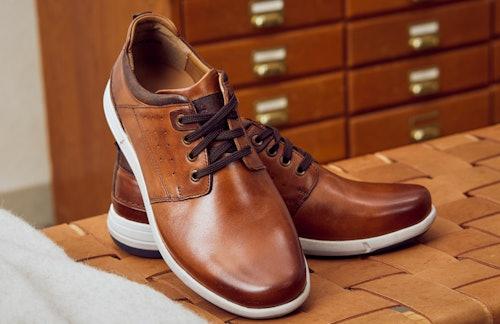 Sneaker schnüren