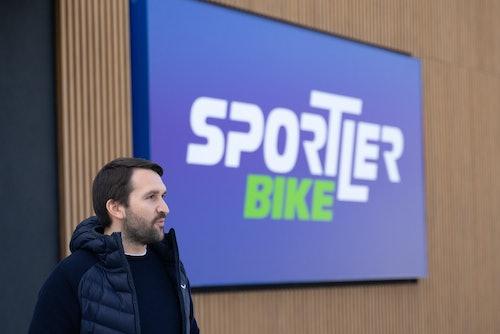 Jakob Oberrauch all'inaugurazione di SPORTLER Bike Store