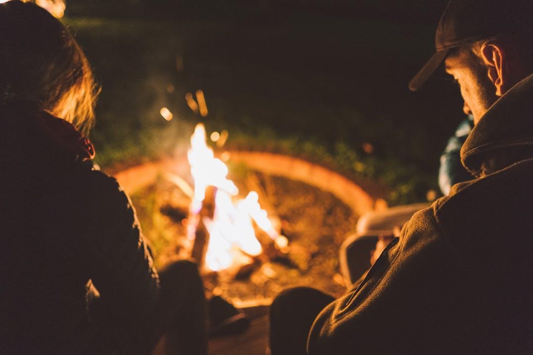 Lagerfeuer am Campingplatz im Altmühltal