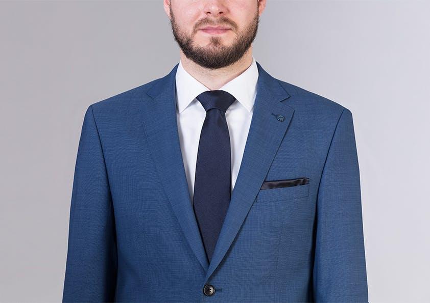 Mann im Anzug – Schulter perfekt