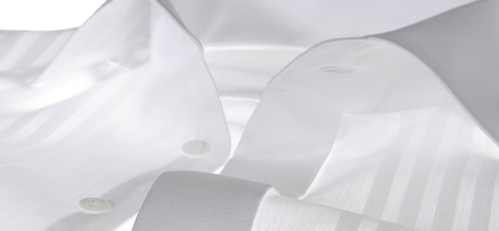 Schweißflecken auf Herrenhemden effektiv entfernen | Modern